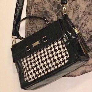 Anne Klein shoulder bag black patent leather